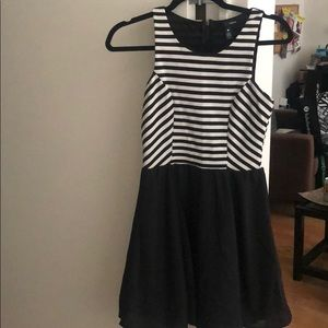 Striped black and white top dress. Size small.